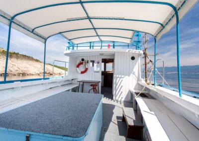 1/2-Tagesausfahrten mit Tauchboot Miki 1